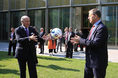中国国家足球队主教练艾伦-佩连表示